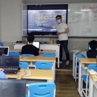 【Let's Code一起程式吧】2020暑假夏令營09:【Python進階實作-Line Bot聊天機器人特訓營7/27-8/7】課程側拍